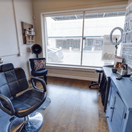 Remi's Salon (Humble)